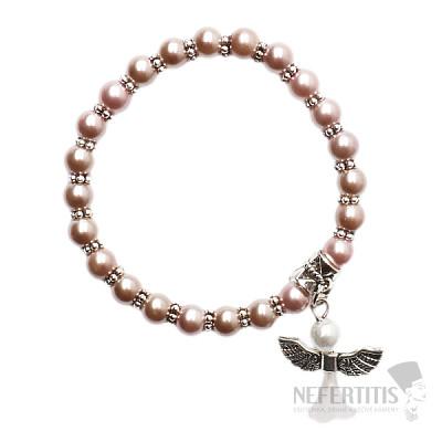 Dětský náramek ze starorůžových skleněných perliček s andělíčkem