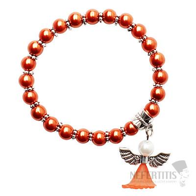 Dětský náramek z tmavě oranžových skleněných perliček s andělíčkem