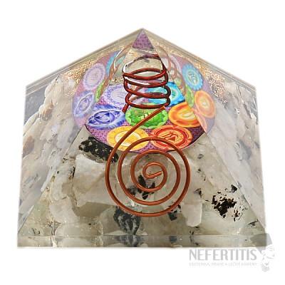Orgonit pyramida měsíční kámen velká s křišťálem a symbolem čaker