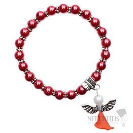 Dětský náramek z červených skleněných perliček s andělíčkem