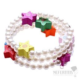 Dětský náramek z akrylátových perliček s barevnými hvězdičkami